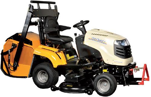 2250 RDH 4WD - komunální travní traktor se zadním výhozem
