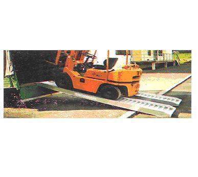 AOK 30/06 ,  Bavaria, sklopný hliníkový přepravní nájezd